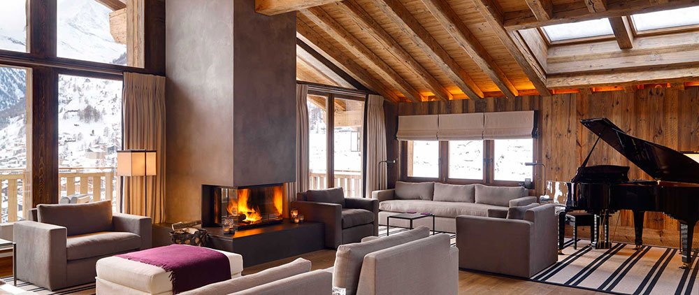 The (piano) lounge area in Chalet Les Anges